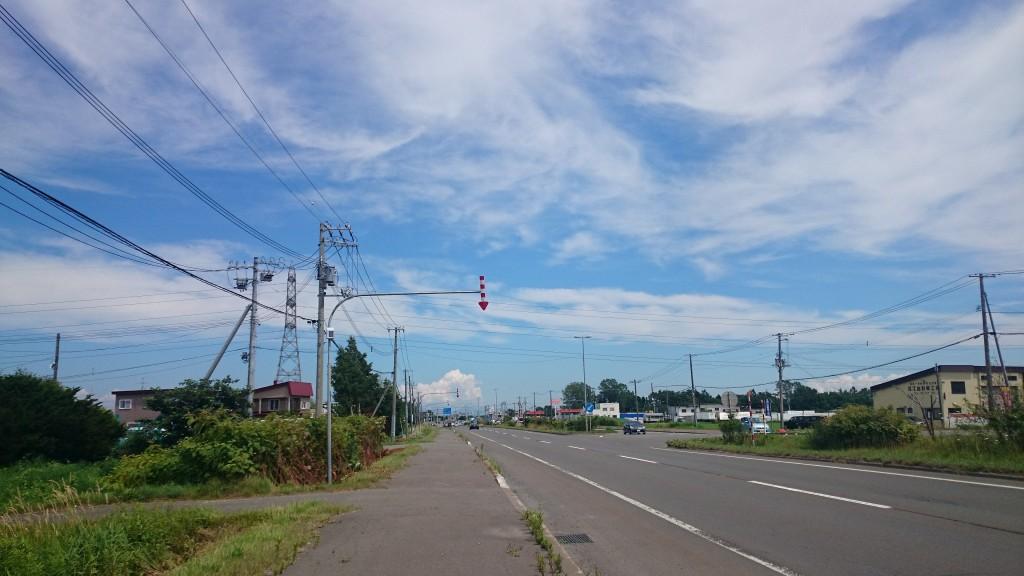 札幌近郊のサイクリング途中で見つけた雲が夏っぽい