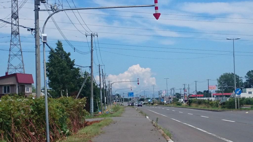 札幌から江別へ行く途中で見た雲が非常に夏っぽかった