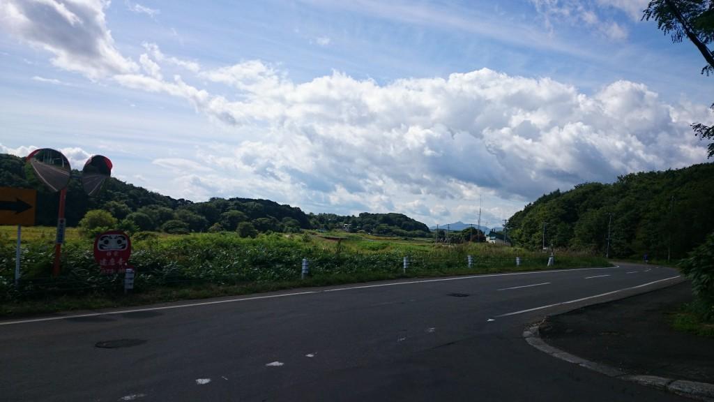 北広島市内 エルフィンロードへ続く一般道