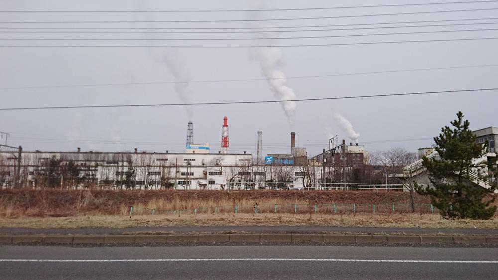 ロードバイクで苫小牧から室蘭へ行く途中に見つけた、日本製紙の工場